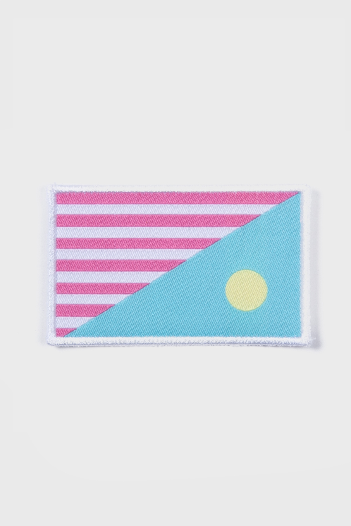 NBRO - Badge Flag - white